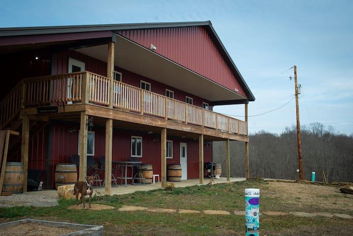 Jackie O's Barrel Ridge Farm Stay