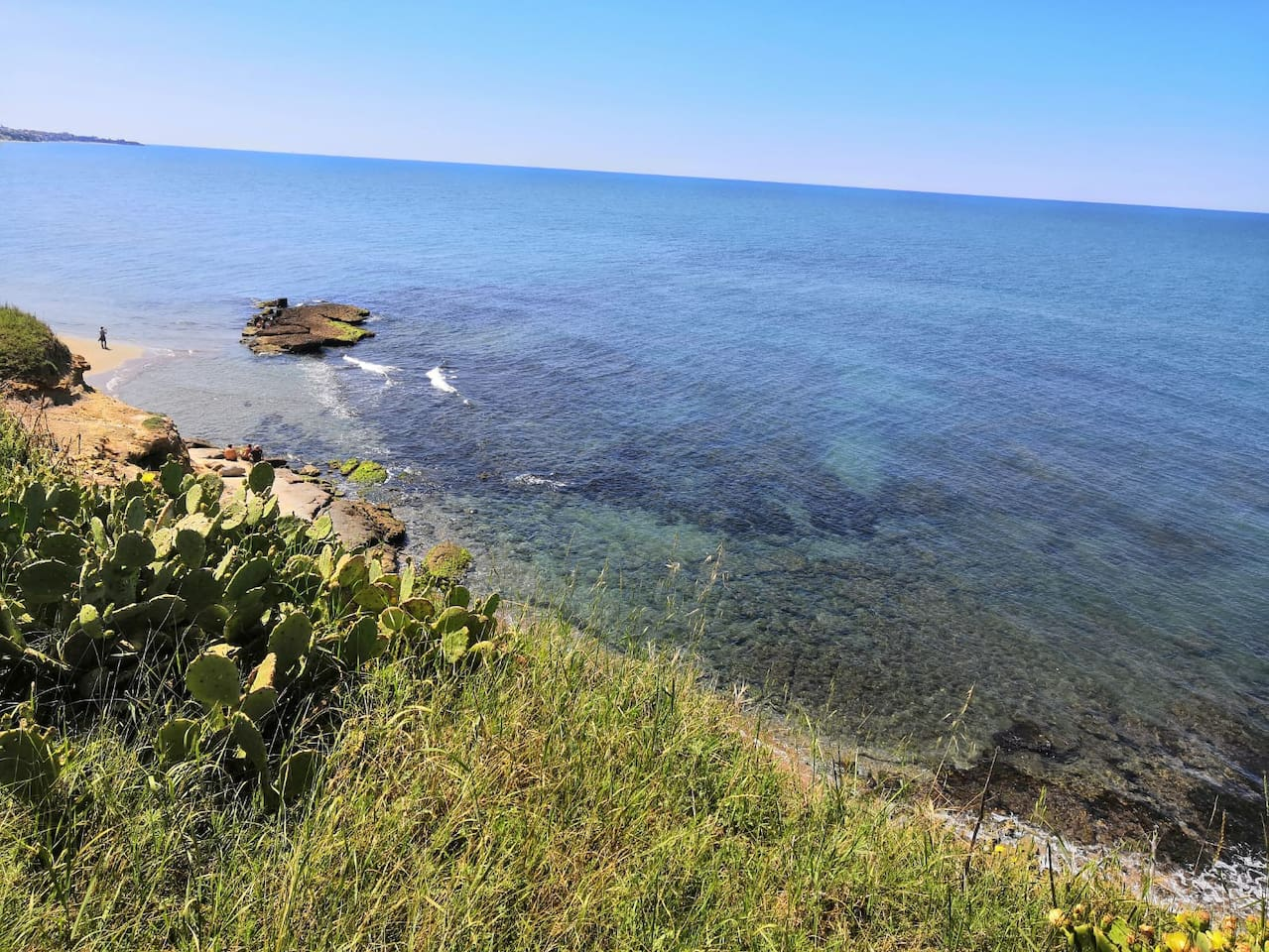 scorcio della spiaggia di Tor Caldara (la più vicina al villino)