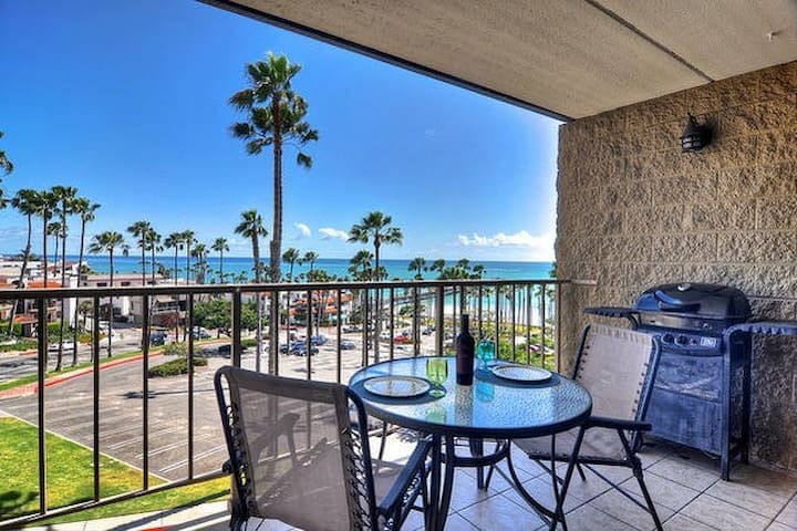 Right@The Pier*Amazing Views*Pool*Spa*Steps to Bch