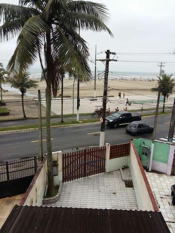 Casa pé na areia!