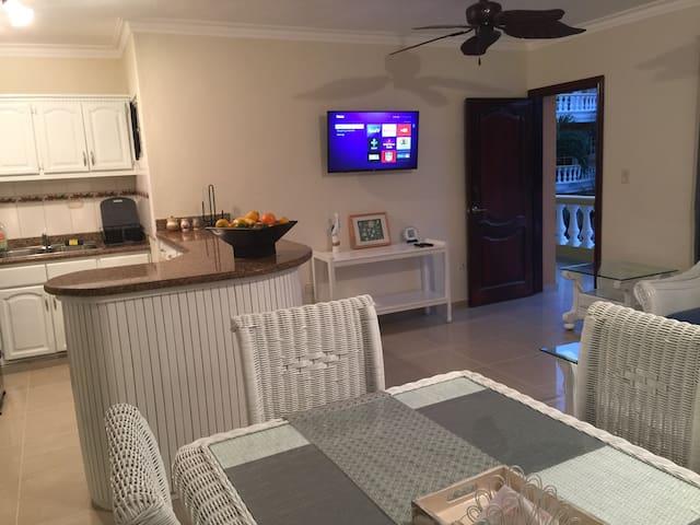 Fantastic Beach Apartmet - Suite B1