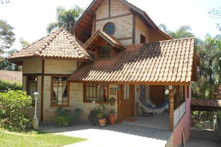Um paraíso na Serra da Cantareira.