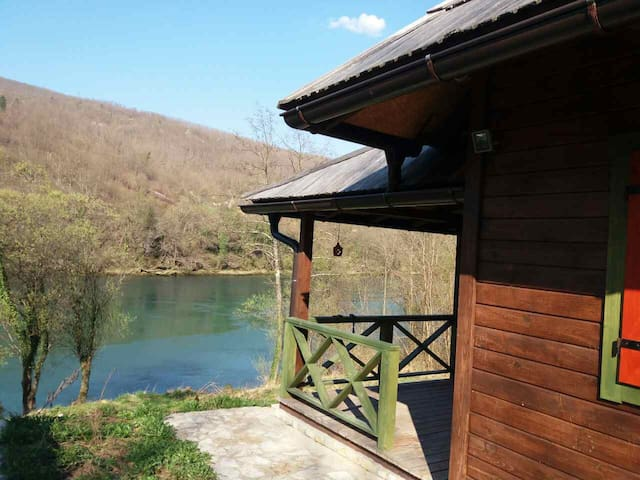 Vacation home on the bay of Drina - Bajina Bašta - Feriehus