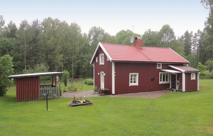 Stunning home in Sunhultsbrunn with Sauna and 3 Bedrooms