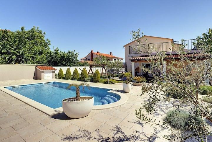 Kuća Villa Iva (V3494-K1)