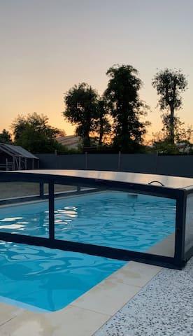 Studio avec piscine , aux portes du Médoc