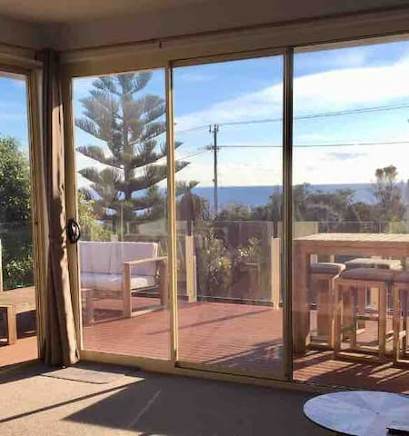 Balcony, Views,  Beach 30m, Main st 900m. Esplanad