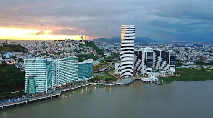 Family Dept 🏠 Resort Riverfront Airport Guayaquil