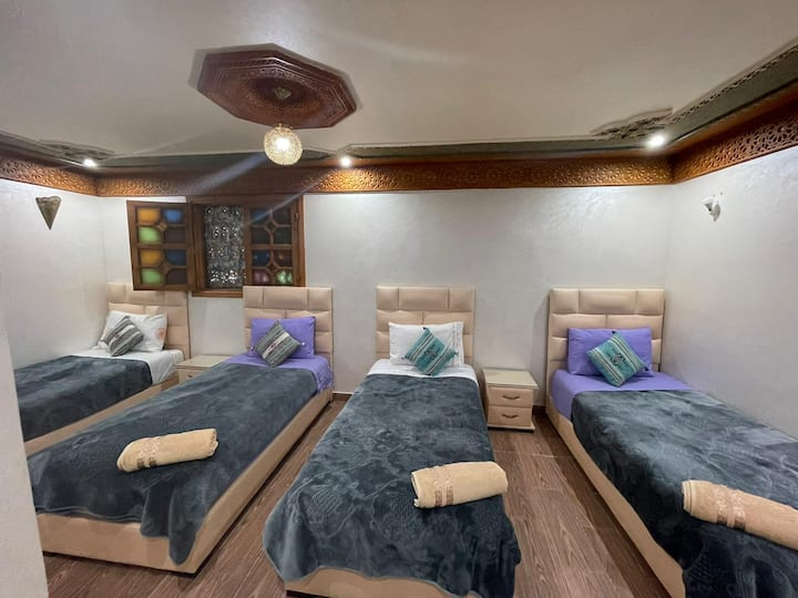Chambre privée dans Oudayas avec terrasse 4 pax