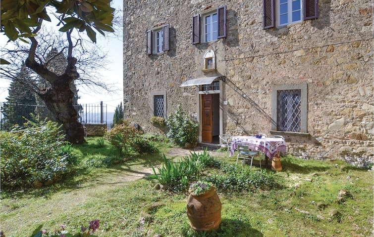 Holiday cottage with 2 bedrooms on 100m² in Bucine -AR-