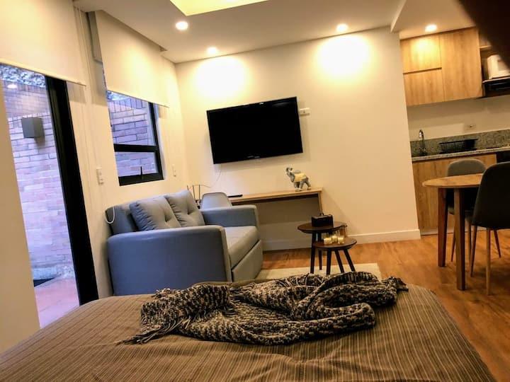 Nuevo y acogedor apartaestudio en La Candelaria.