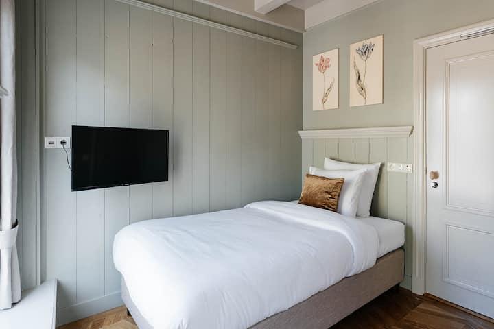 Zonnige Petit Room - in het hartje van Utrecht