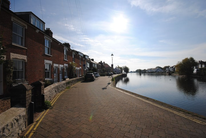 Compass Cottage , Emsworth