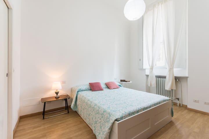SLEEP 4-NEXT TO CENTER CITY/PORTA SUSA RAILWAY ST - Torino - Apartment