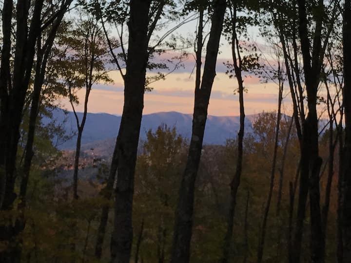 Secluded Beech Mountain Get-a-Way