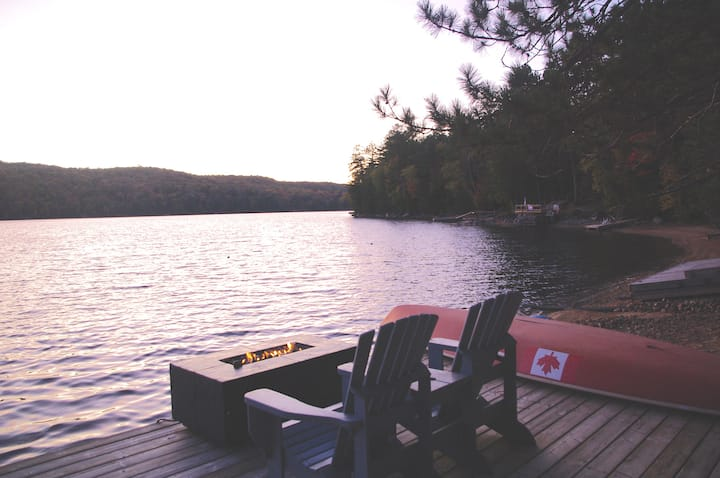 Pineridge Cottage - Your Lakefront Escape!