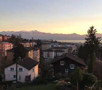 top floor with amazing views close to Lausanne - Prilly