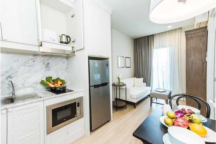 """one bedroom """"dlux Condominium"""""""