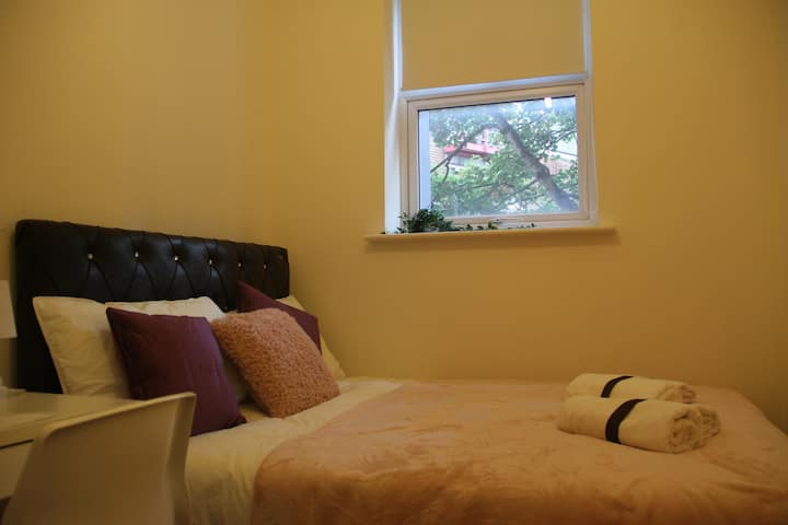 Cozy Private Bedroom in Euston Station London (11)