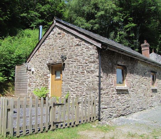 Chub Tor Barn - A secluded retreat on Dartmoor