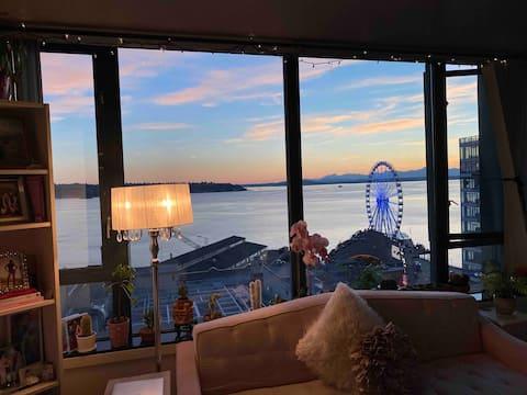 Habitació privada amb vista a l'aigua per a nenes al centre de Seattle