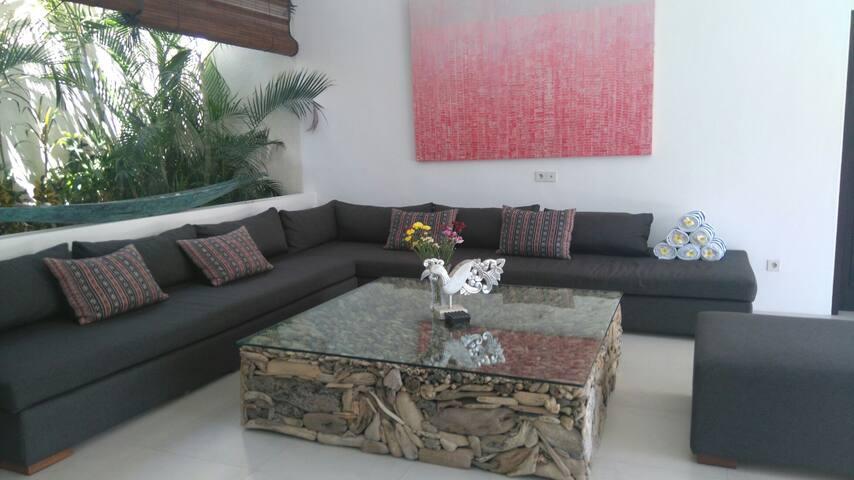 Cozy 3 Bedroom Villa, Seminyak - Seminyak  - Ev