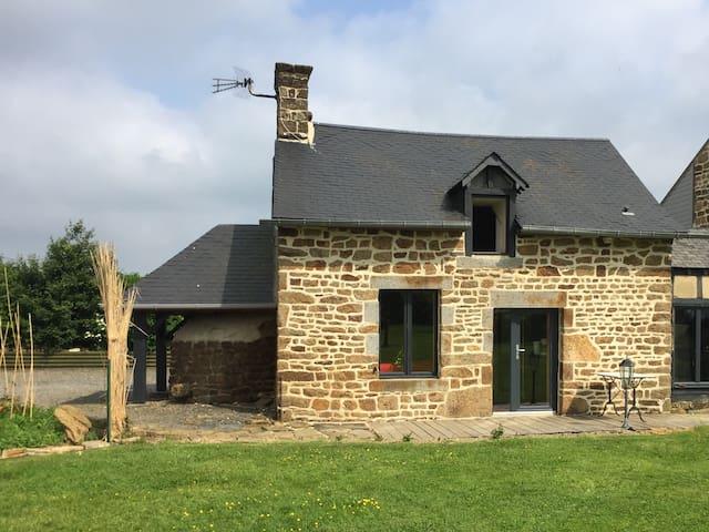 Petite maison de campagne - ROULLOURS  - Hus
