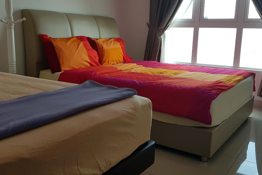 Common bedroom with Queen and Super Single bed set