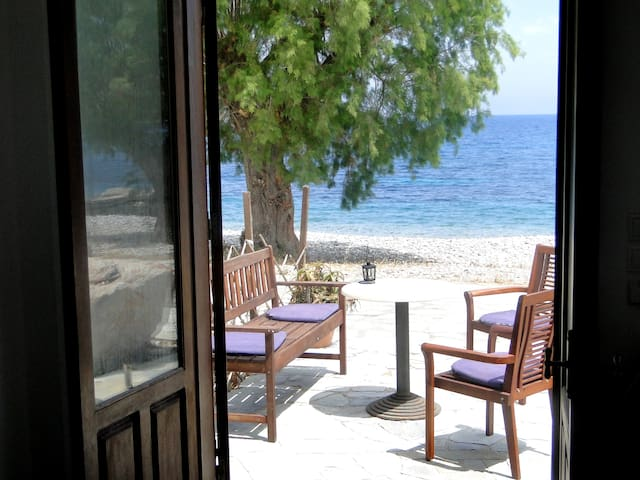 Studios by the Sea, Livadia, Tilos