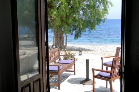 Studios by the Sea, Livadia, Tilos