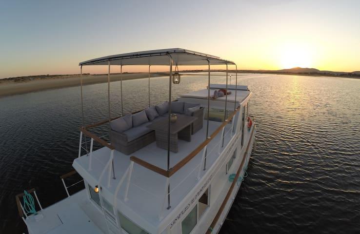 Barco Casa - Ilha da Culatra - Fuseta - Boat