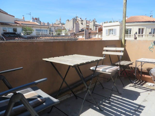 Large Studio on the Old Port with Terrace