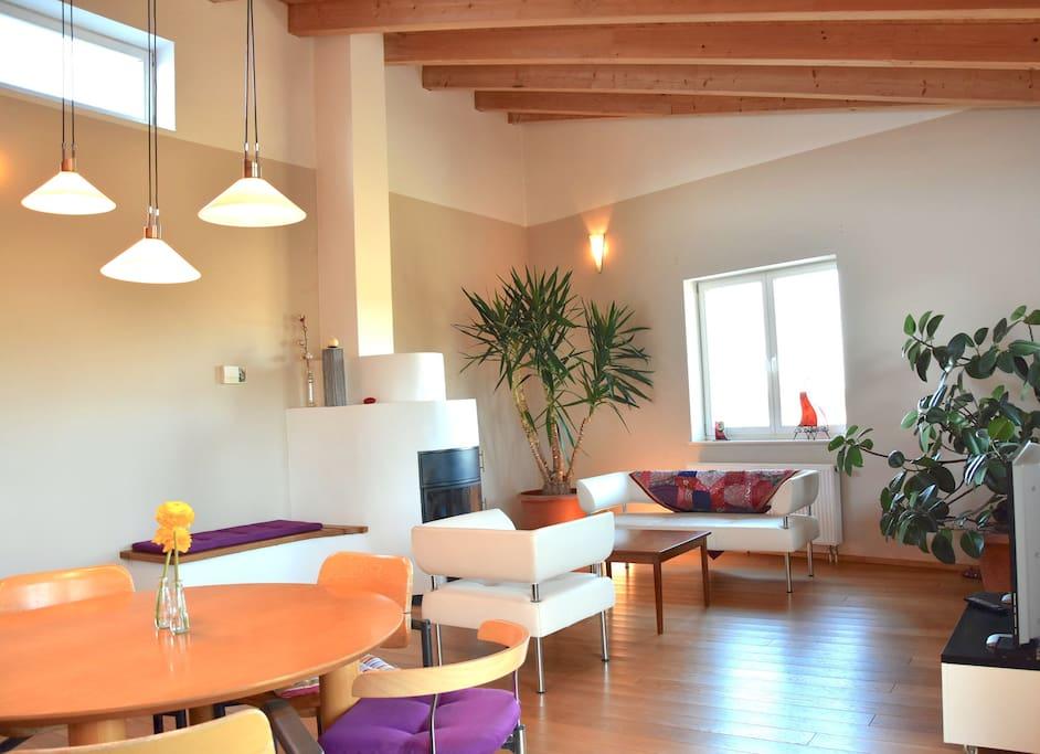 lichtdurchflutete wohnung im sportpferdehof loft in affitto a ober ramstadt hessen germania. Black Bedroom Furniture Sets. Home Design Ideas
