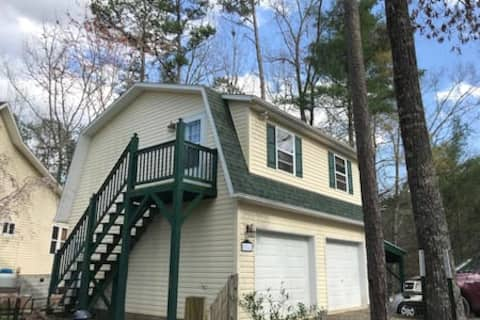 Smoky Mountain Hideaway - Comfy & Great Value!