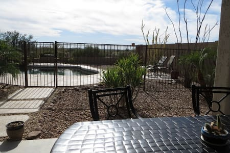 Desert Diamond with Sparkling Pool & Jacuzzi! - Gold Canyon