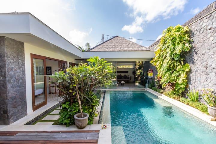 PROMO!!! Amazing 2bdr villa in GREAT LOCATION!
