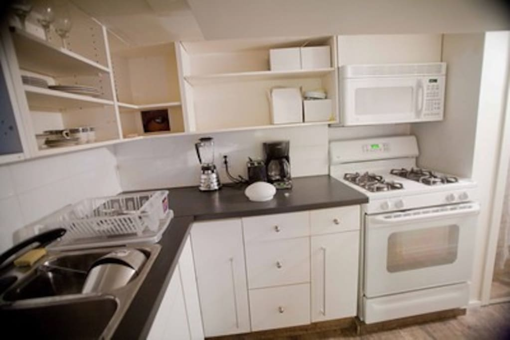 Kitchen with a bulkhead at 5'11