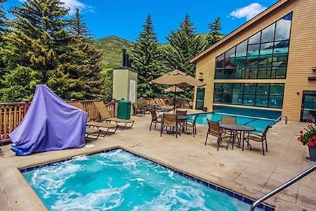 1BR Cedar at StreamSide Vail Hot Tub/Pool/Shuttle