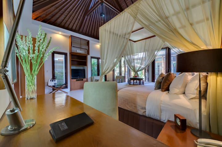 ★Hide away in Luxury Complex★ 2BR Seminyak