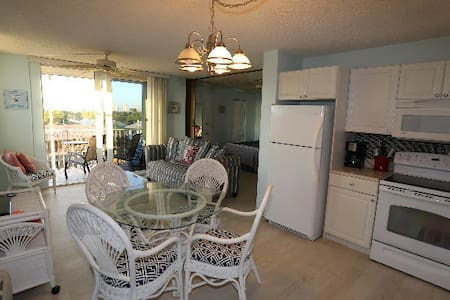 Florida private condo- beach view! - Bonita Springs