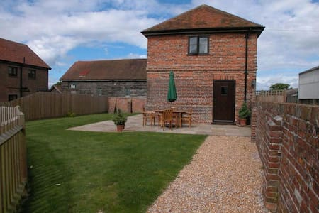 Converted stables in former farmyard in Benenden