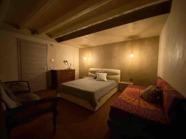 Camera da letto principale  Matrimoniale,  più letto singolo