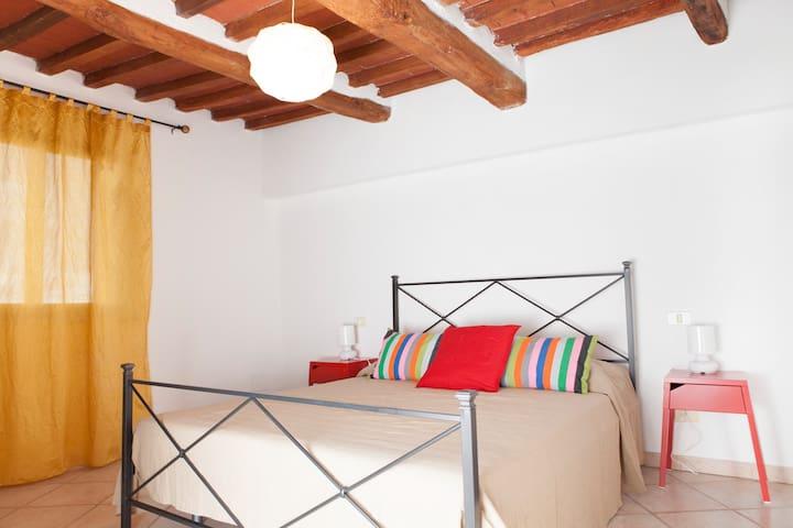 Casa La Piana, sulle mura del borgo medievale - Rapolano Terme - Departamento