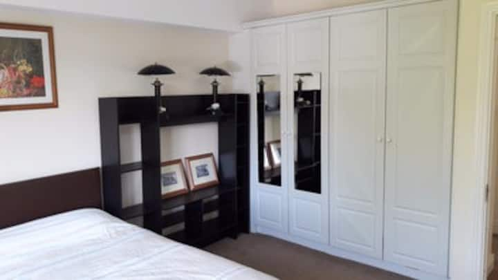 Fantastic double bedroom exactly next to the train