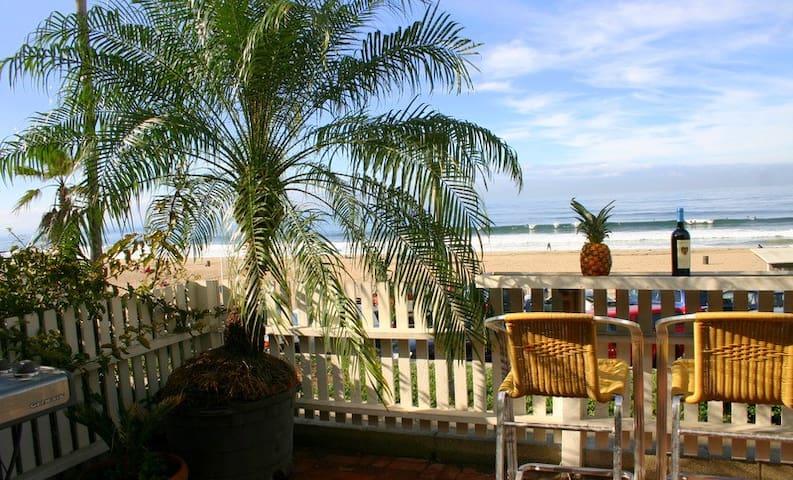 Beachfront Cali Dream w/ Hot Tub on The Strand!