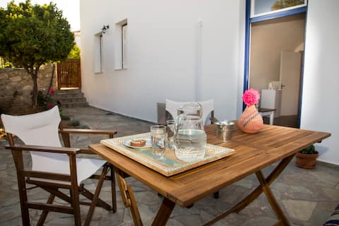 Theros Guesthouse Spetses