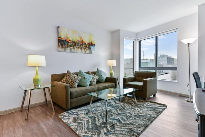 Perfect 1BR   Full Kitchen   near Case Western