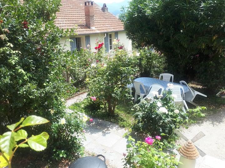 T1 cosy dans  villa avec  jardin