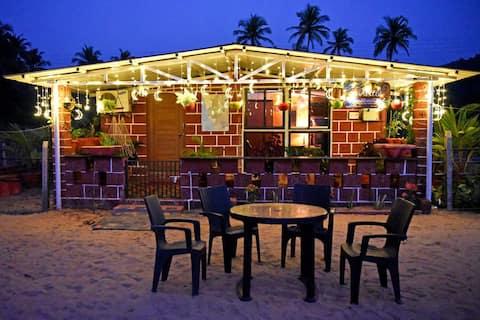 Turtle Beach Hut