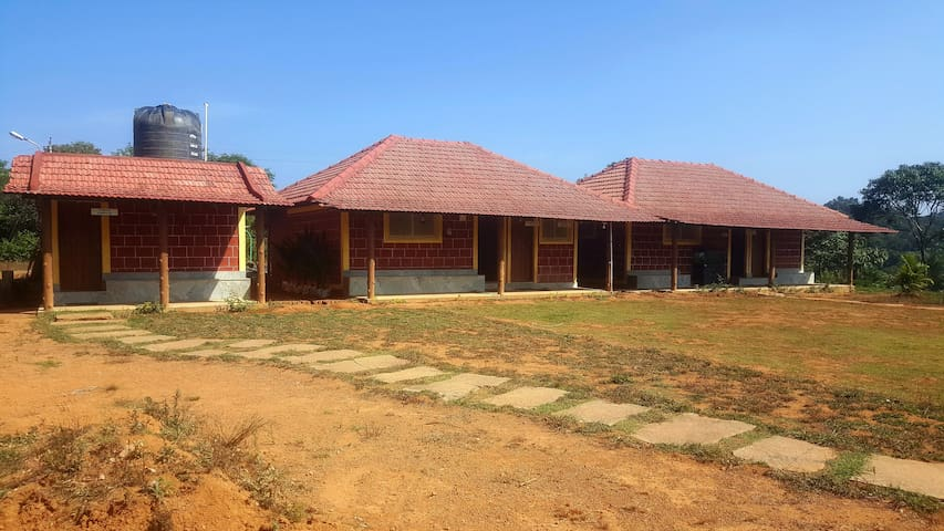 Jungle Trailz, Sakleshpur (5 Bedded Room)